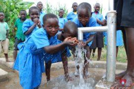 waterwells_africa_uganda_dropinthebucket_stcharleslwangakakinduprimaryschool141